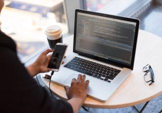 app-developer-coding